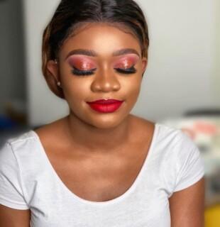 Full Glamourous Make up (1 hour 30 minsl)